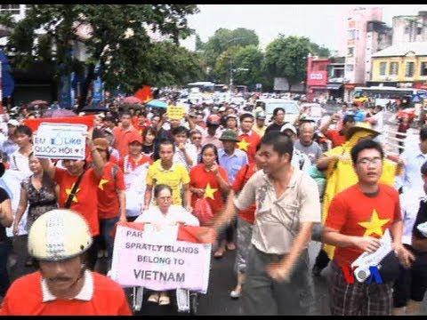 TQ phản ứng trước các cuộc tuần hành chống Trung Quốc tại Việt Nam