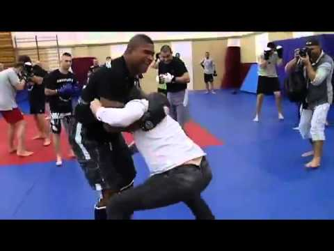 Alistair Overeem attacks reporter - funny mma