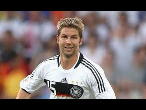 Thomas Hitzlsperger announces he is gay: 'The time is right':Re