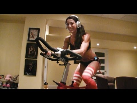 JULIE BONNETT VLOG SERIES EPISODE #11 • 2 WEEKS OUT FROM 2012 WBFF WORLD CHAMPIONSHIPS