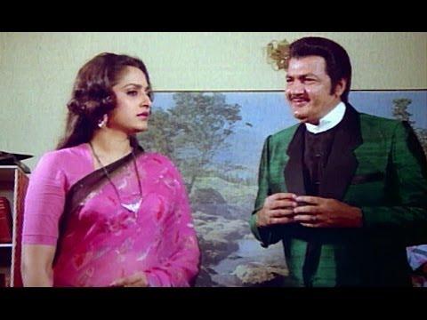 Prem Chopra tries to bribe Jaya Prada - Kaanoon Ki Awaaz