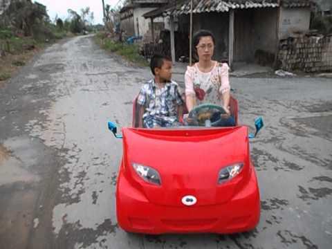 Ôtô  điện đồ chơi dành cho trẻ em và người lớn.