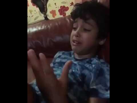 طفل خليجي من ام مغربية يبكي خوفا من هزيمة المنتخب المغربي في كأس العالم