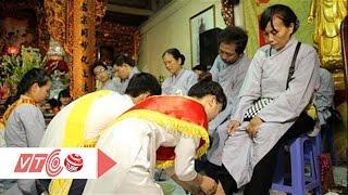 Xúc động nghi lễ rửa chân phụng dưỡng cha mẹ | VTC