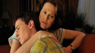 """Plegarias Para Bobby"" Trailer En Español Latino."