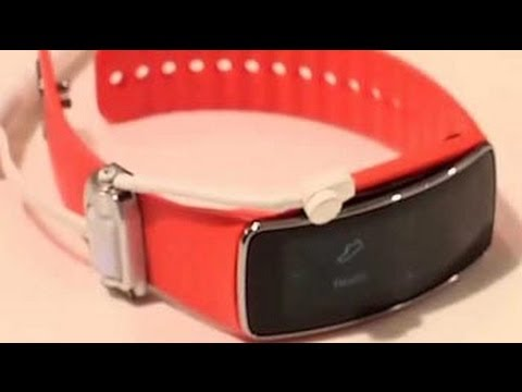 Gadget Guru at MWC 2014: Samsung Galaxy S5, Galaxy Gear