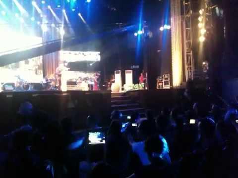 04/10/2013 live show Quang Lê hát trên quê hương 2 Phương M