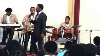 Teddy Tadesse with Qine band - Sasebew