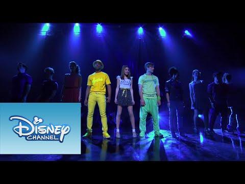 "Violetta: Show final: Violetta y elenco cantan ""Ser Mejor"""