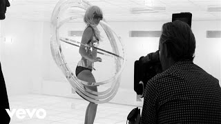 Lady Gaga - Bad Romance (Behind the Scenes)
