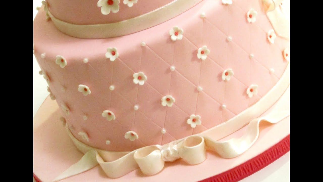 Quilted Cake Design : How to Create a Quilted Pattern on a Cake - YouTube