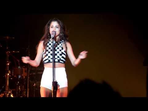 Selena Gomez - Royals (Lorde) @ HMH Amsterdam