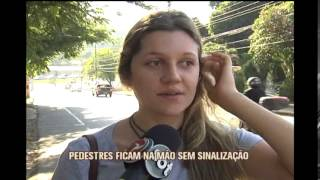 Com obras na orla da Lagoa da Pampulha, motoristas trafegam na contram�o no bairro Ouro preto