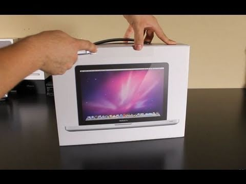 "2011 MacBook Pro i5 13"" Unboxing & 1st Bootup"