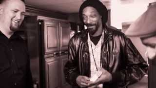 Snoop Lion Performs With Walk Off The Earth (Ashtrays And