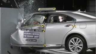 CRASH TEST IIHS: 2012 Lexus ES 350 Small Overlap Test (Overall evaluation: Poor) videos