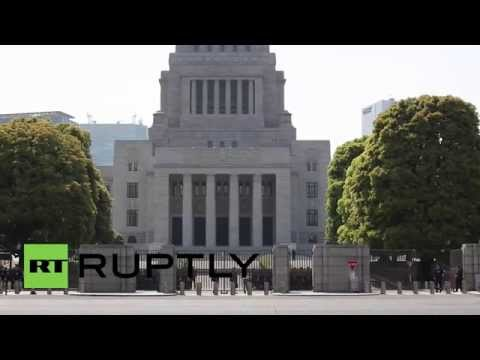 Japan: Obama sparks protests on Tokyo trip