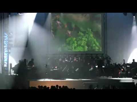 Исполнение симфоническим оркестром главной темы