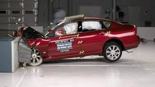 2006 Infiniti M35/M45 moderate overlap test videos