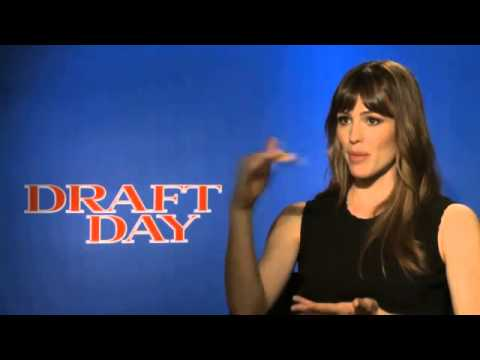 Jennifer Garner interview   actress talks 'Draft Day,' Cleveland Browns Dawg Pound Video