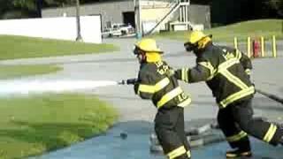 Bomberos - Demasiada presión de agua