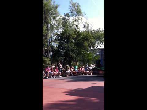 #aFewMinutes: watching a parade at Disney's Hollywood Studios.