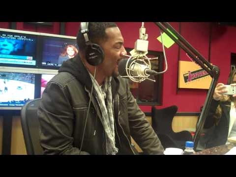 Bill Bellamy shares why Bruno Mars should NOT be doing the 2014 Super Bowl half time show.