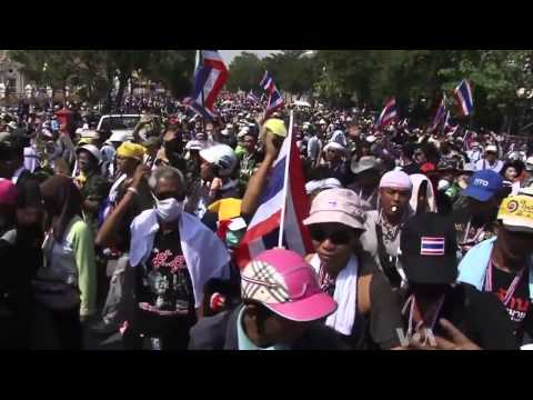 กำนันสุเทพ Thailand Protesters Celebrate Truce Ahead of King's Birthday