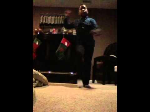 Peanut live 215 dance