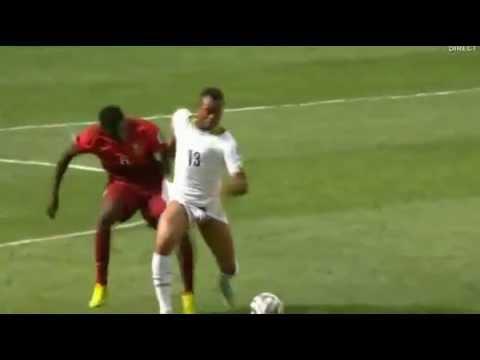 Pha lộ hàng khủng của cầu thủ Ghana