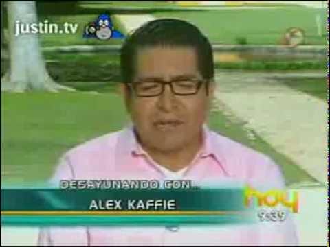 Alex Kaffie perreando en el Programa Hoy