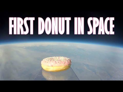 Млади норвешки ентузијасти ја испратија првата крофна во Вселената
