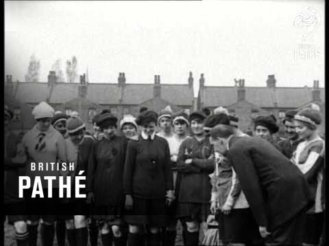 Ladies Football Match (1914-1918)