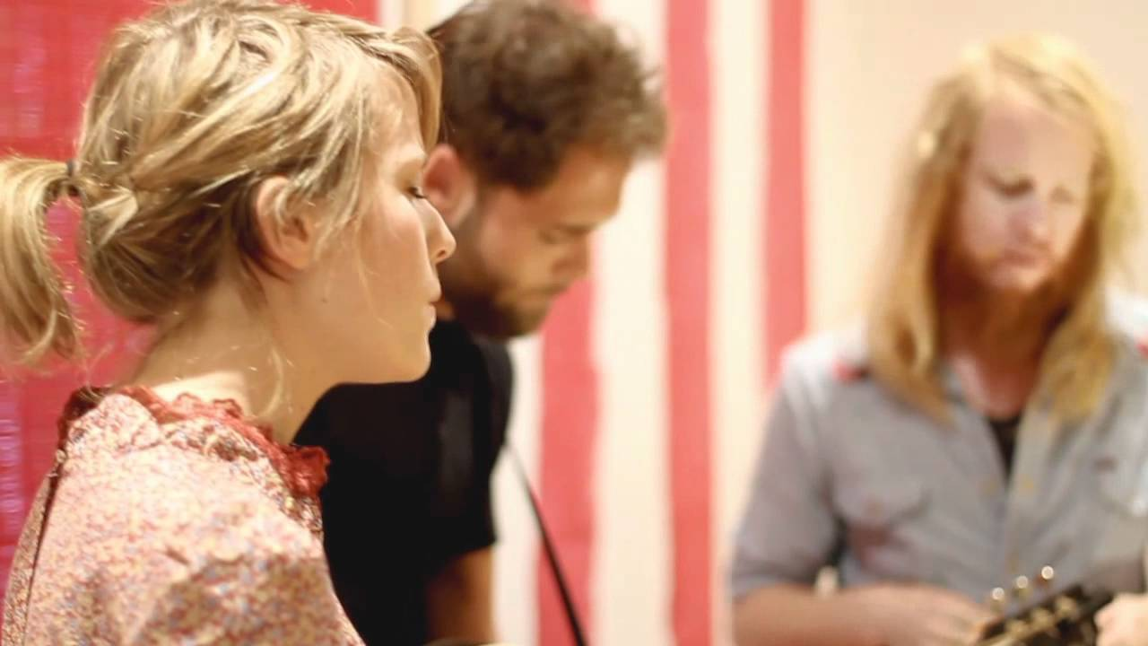 Passenger - Feather On The Clyde - Featuring Mike, Emma Louise and Stu Larsen