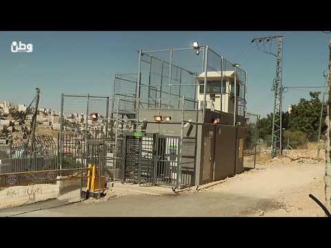 الحاج ابو عيشة يروي لوطن كيف اجبره الاحتلال على خلع ملابسه بالكامل وسط الخليل