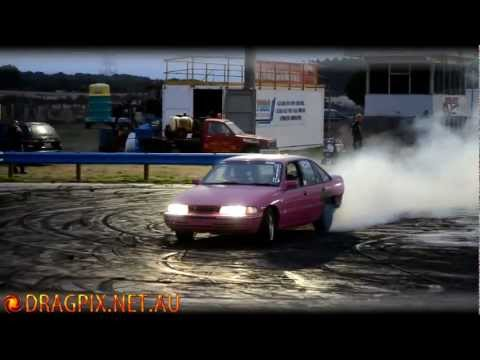 V6 Holden VP Burnout - South Coast Raceway 02/03/2012