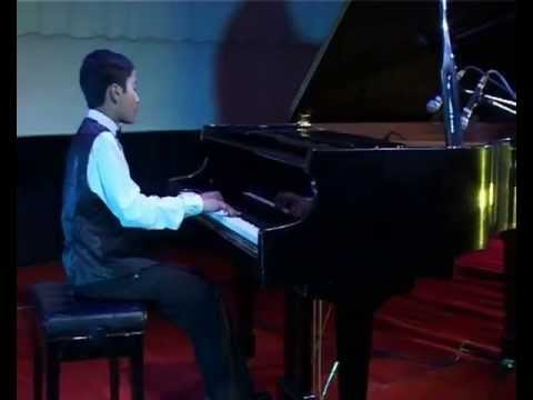 Young Pianists In Concert - Avro Roy