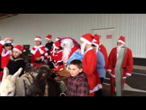 Pere Noel Parachute le Père Noël et Ses Mères Noël