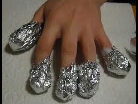 Cómo eliminar uñas acrílicas con algodón y papel de aluminio