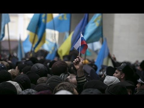 Crimean Tatar protesters clash with pro-Russian demonstrators in Simferopol