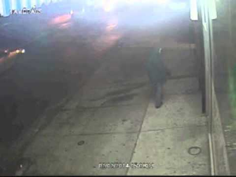 Cops: Suspect shoots gun into South Ozone Park store