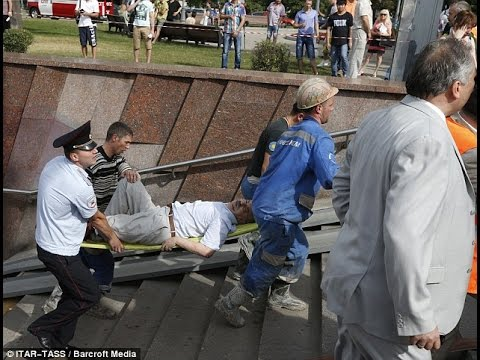 Moscow Subway Train Derails Killing At Least 16 And Injuring More Than 100