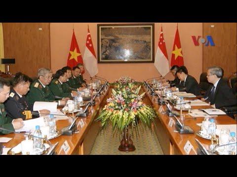 Việt Nam-Singapore thắt chặt quan hệ quốc phòng