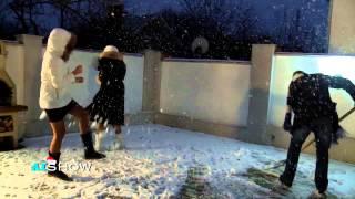Provocare AISHOW: Igor Dodon curăţă zăpada din curte