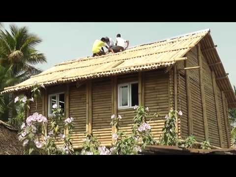 Familias de Las Lisas reciben casas de bambú