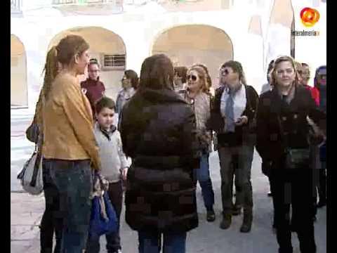 Cerca de medio centenar de usuarias de los Centros de la Mujer realizan la ruta turística Mujeres