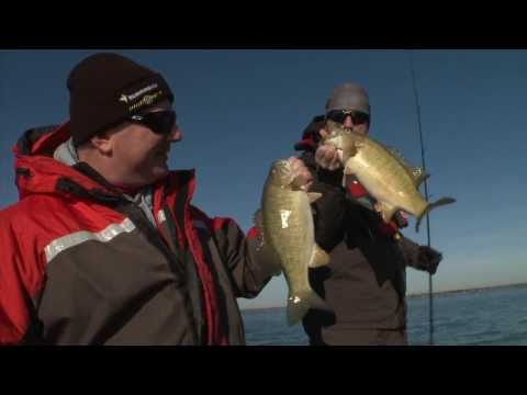 Hunting for Giant Fall Smallmouth Bass - Dave Mercer's Facts of Fishing THE SHOW