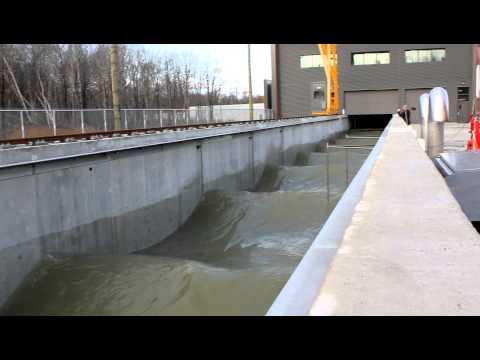Laboratoire hydraulique environnemental (vue sur le canal)