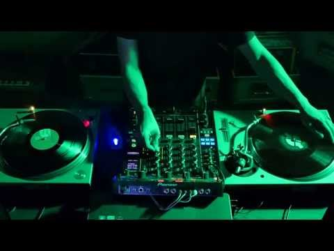 Rave tunes 1990 best old skool rave classics 1990 1992 for Classic acid house mix 1988 to 1990 part 1