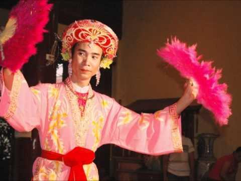 Hau Thanh Co Chin佛聖之音樂:Len Dong, Chau Van
